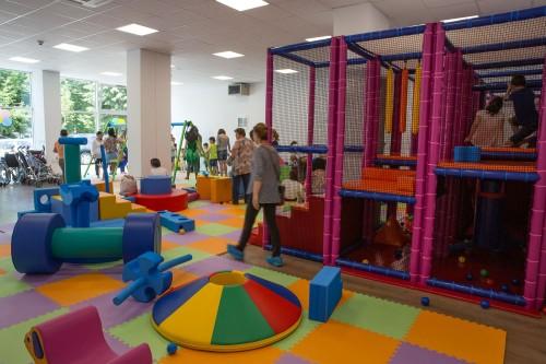 spațiu de joacă pentru copii dizabilități