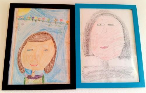 două portrete ale mamei facute de un copil, In creioane colorate