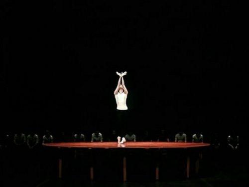 Maya Plisetskaya dansând în Bolero-ul lui Bejart